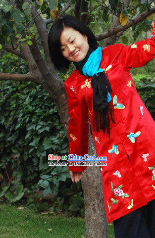 Chinese Classical Lucky Red Handmade and Embroidered Butterfly Silk Blouse for Women