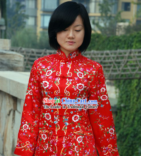 Chinese Classical Lucky Red Handmade and Embroidered Floral Silk Blouse for Women