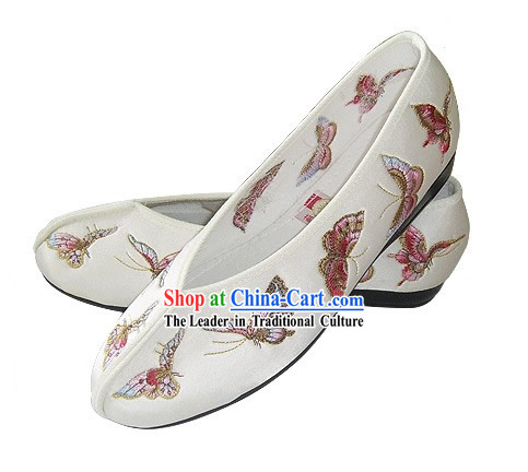 Chinese Traditional Handmade Embroidered Butterfly Satin Shoes _white_