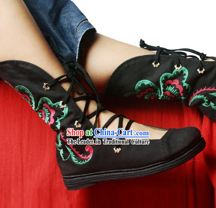 Handmade and Embroidered Phoenix Tail Long Cloth Boots
