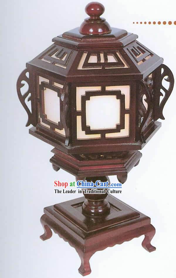 Chinese Hand Carved Wooden Window Shape Reading Lantern