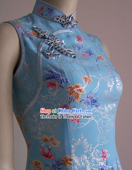 Chinese Stunning Light Blue Cheongsam with Beautiful Button