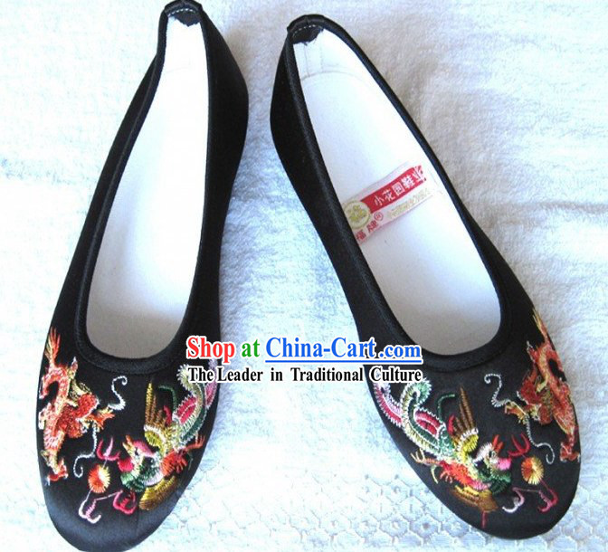 Chinese Traditional Handmade Embroidered Satin Dragon Shoes