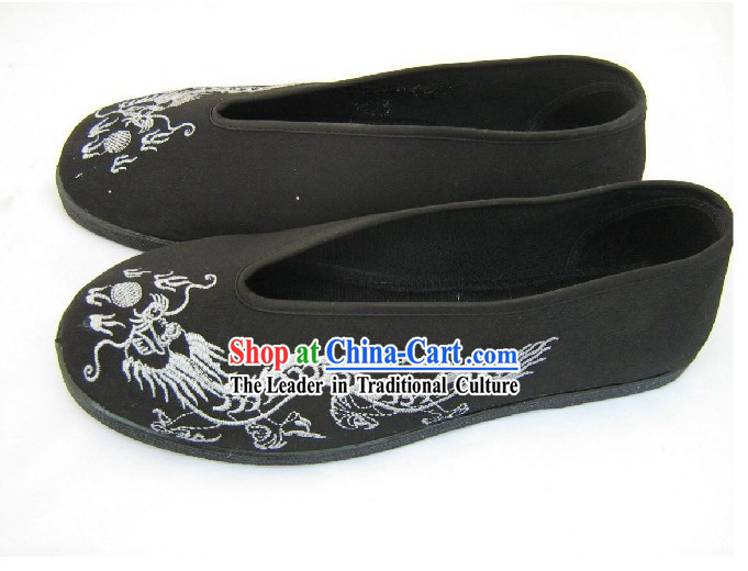 Chinese Hand Made Folk Dragon Black Cloth Shoes / Men Dragon Shoes