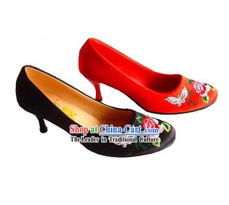 Chinese Classical Handmade and Embroidered Butterfly Love Flower High Heel Wedding Shoes (red)