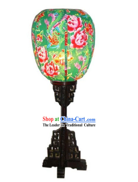 Traditional Chinese Handmade Flowery Wooden Desk Lantern
