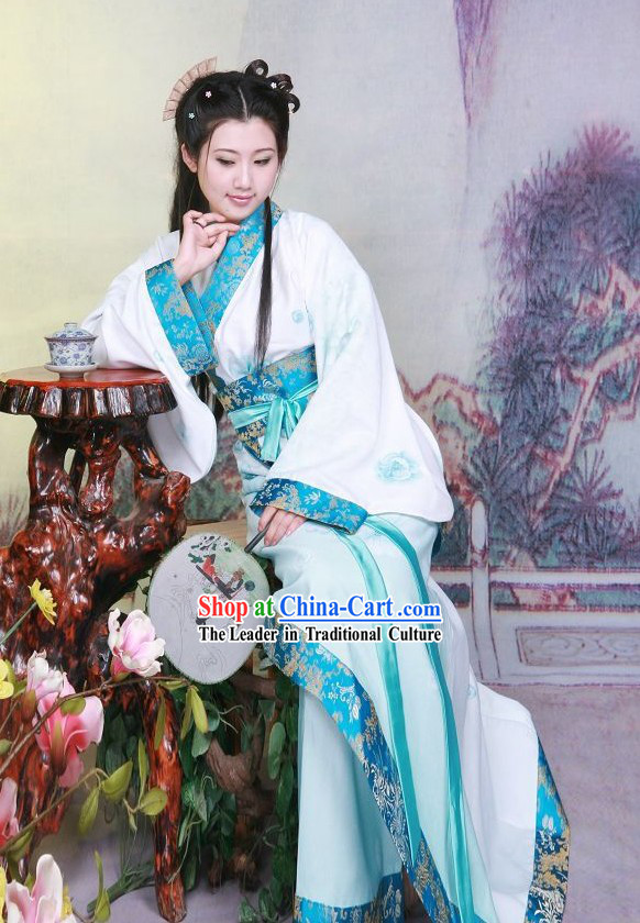 Traditional Chinese Fan Dance Costume
