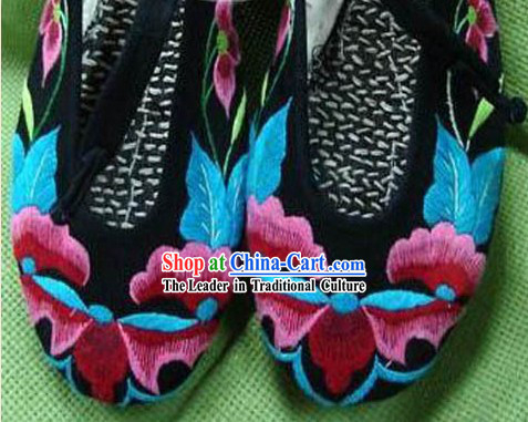 Chinese Hand Made and Embroidery Flower Shoes