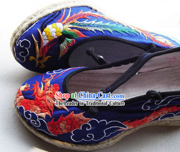 Chinese Traditional Hand Made Embroidery Phoenix and Dragon Shoes
