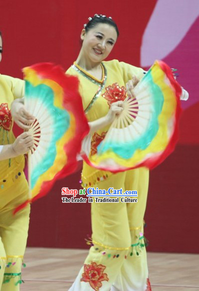 Traditional Plum Blossom Silk Dance Fan