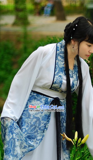 Traditional Chinese Blue and White Porcelain Color Hanfu Clothing