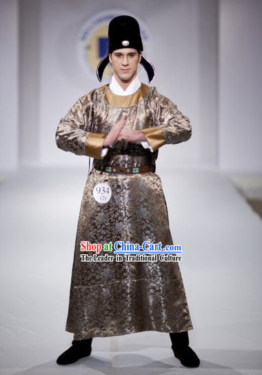 Ancient Chinese Tang Dynasty Men Clothing and Hat