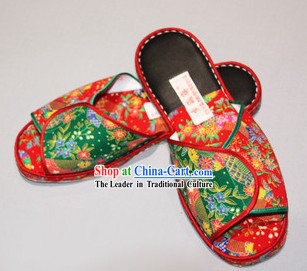 Chinese Handmade Bu Ying Zhai Embroidered Silk Slippers for Women