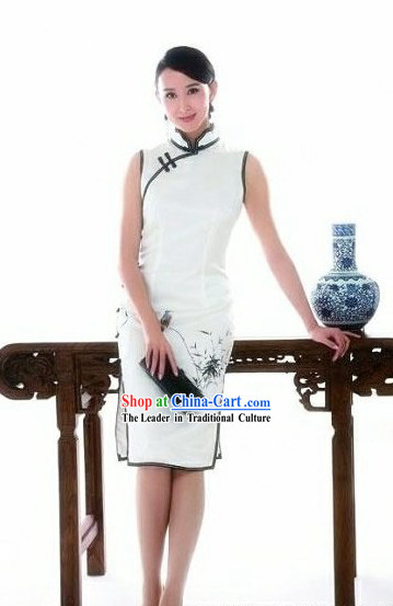 Traditional Chinese White Silk Chi-pao