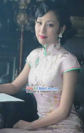 Chinese Little Flower Lady Silk Cheongsam