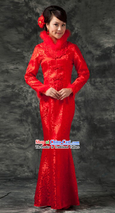 Traditional Chinese Red Fish Tail Toasting Wedding Clothes