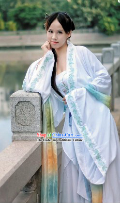 Ancient Chinese Beauty White Han Fu Clothing and Headpiece for Women