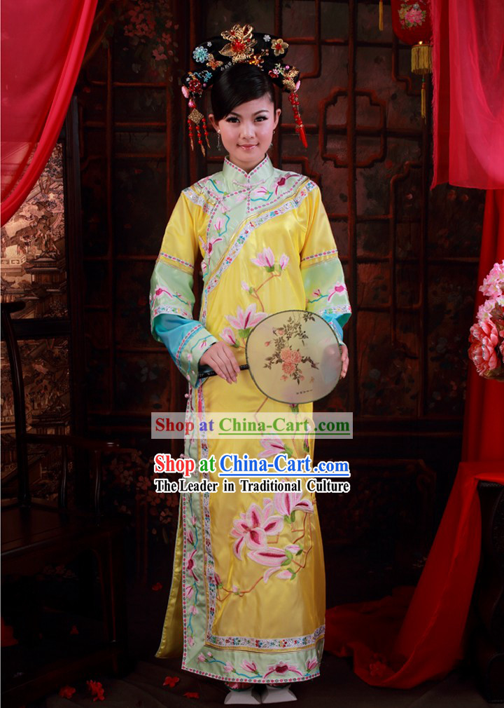 Ancient Chinese Qing Dynasty Princess Embroidered Clothing and Shoes for Women