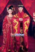 Chinese Classic Wedding Dresses Two Complete Sets for Wedding Couple