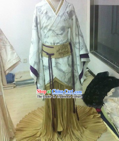 Ancient Chinese Han Dynasty Beauty Clothes for Brides with Long Trail