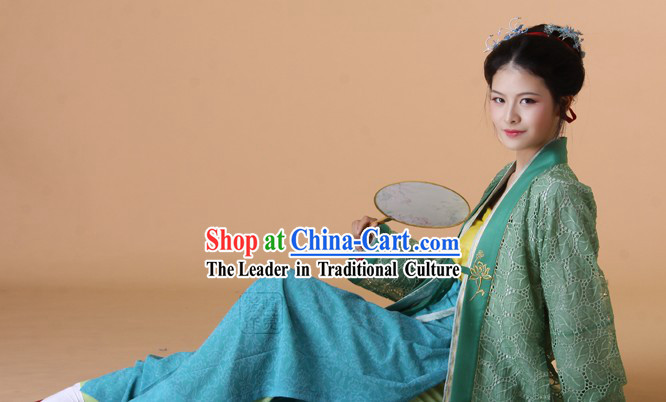 Ancient Chinese Song Dynasty Outfit for Women