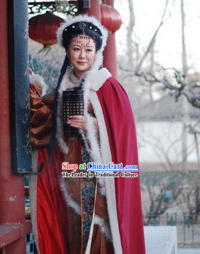 Ancient Chinese Beauty Red Winter Long Mantle