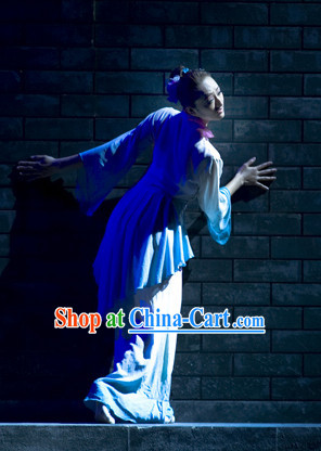 Traditional Chinese Dress for Professional Stage Performance