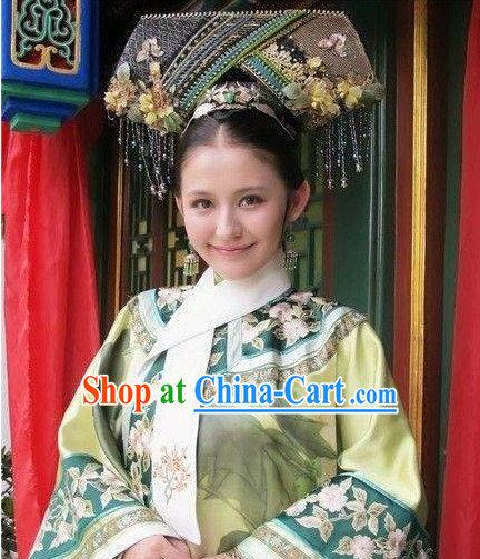 The Empress of China Qing Dynasty Clothing