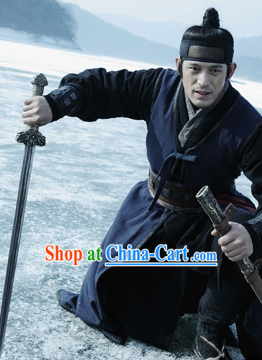 Ancient Chinese Chivalrous Swordsman Costumes and Headwear Complete Set