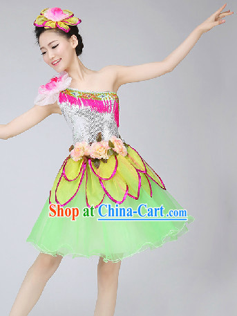 Traditional Chinese Folk Dancing Costumes and Headwear Complete Set for Women