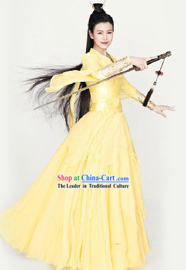 Ancient Chinese Swordswoman Light Yellow Outfit for Women