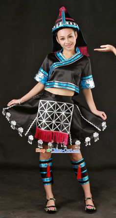 China Miao Ethnic Group Clothes and Hat for Women