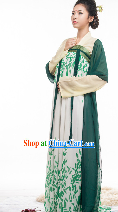 Tang Dynasty Ruqun Outfit for Women