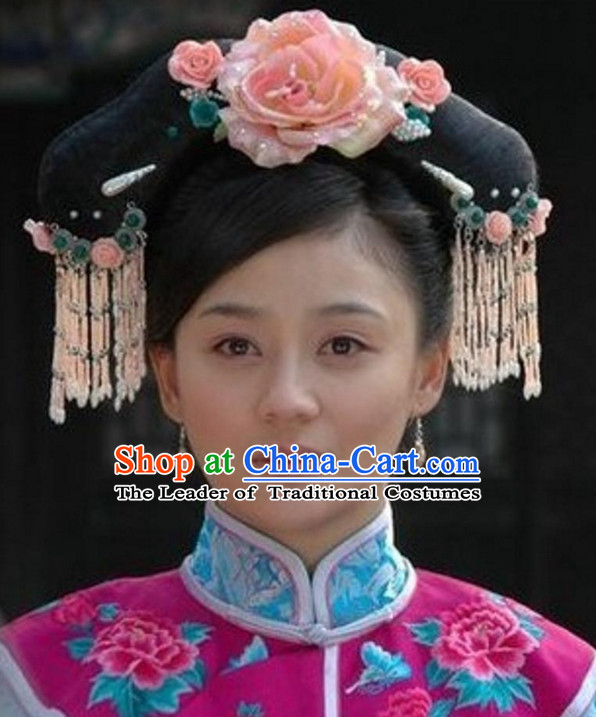 Qing Dynasty Lady Buns and Hair Accessories