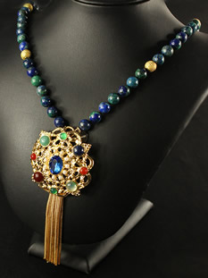 Chinese Jewelries, Necklaces Amulets pendants