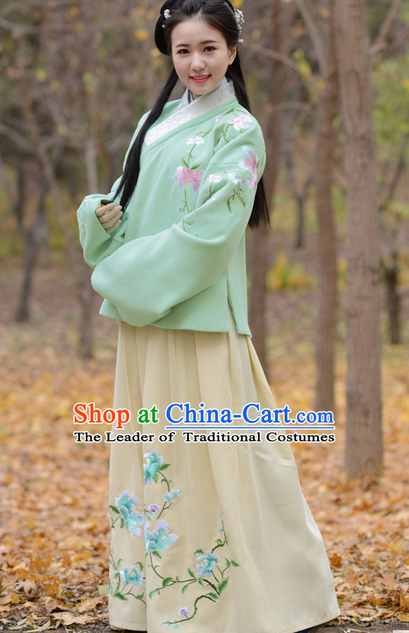 Ancient Chinese Ming Dynasty Princess Queen Embroidered Flower Clothes Garment Complete Set