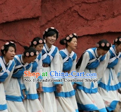 China Yunnan Lijiang Naxi Minority Clothes and Headwear for Girls
