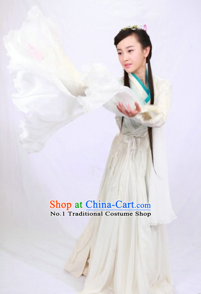 China Ancient Traditional Long Sleeves Dance Suit for Girls