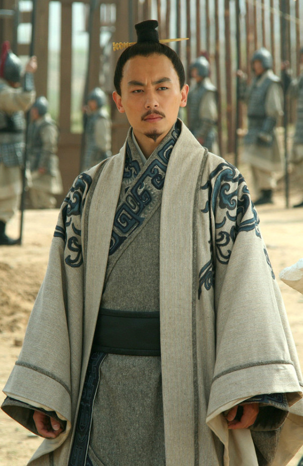 China Classical Han Dynasty Light Grey Hanfu Clothes of Noblemen