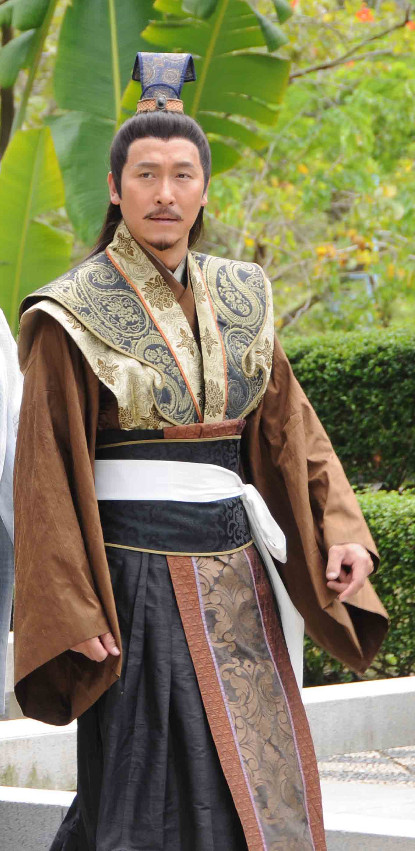 China Classical Emperor Clothing and Hat for Men