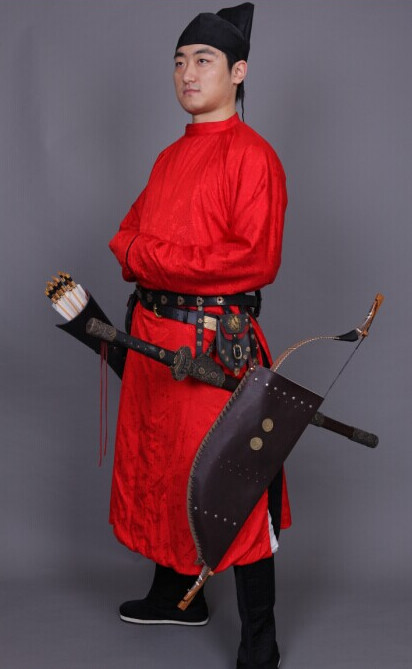 Tang Dynasty Red Long Robe and Hat for Men