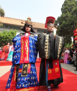 Korean Empress and Emperor Dresses Costumes Carnival Costumes Traditional Costumes for Men and Women