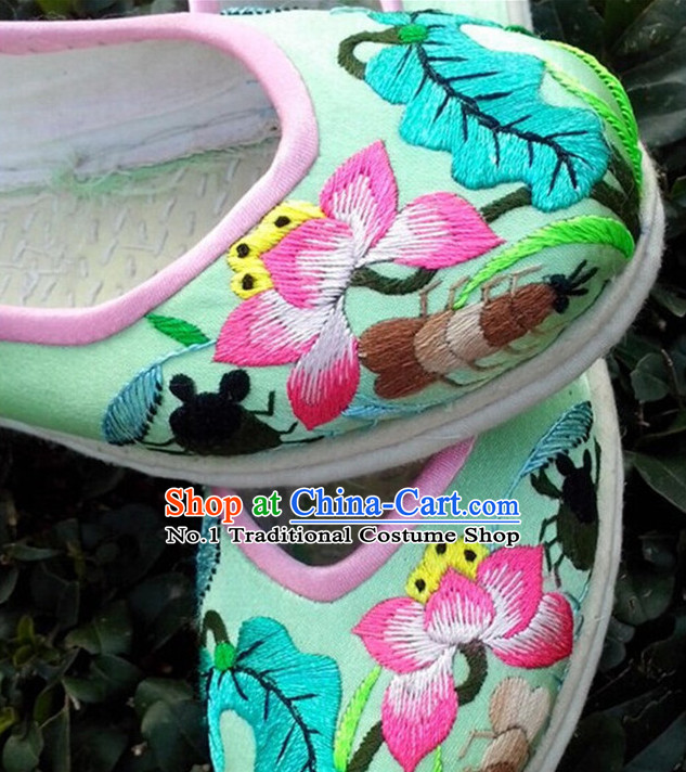 Chinese Handmade and Embroidered Lotus Shoes