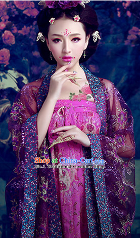 Ancient Chinese Palace Maid of Honor Costumes and Hair Accessories
