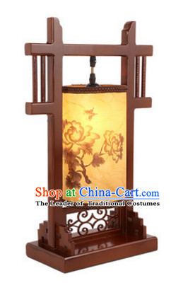 Chinese Ancient Handmade and Carved Natural Wood Desk Palace Lantern