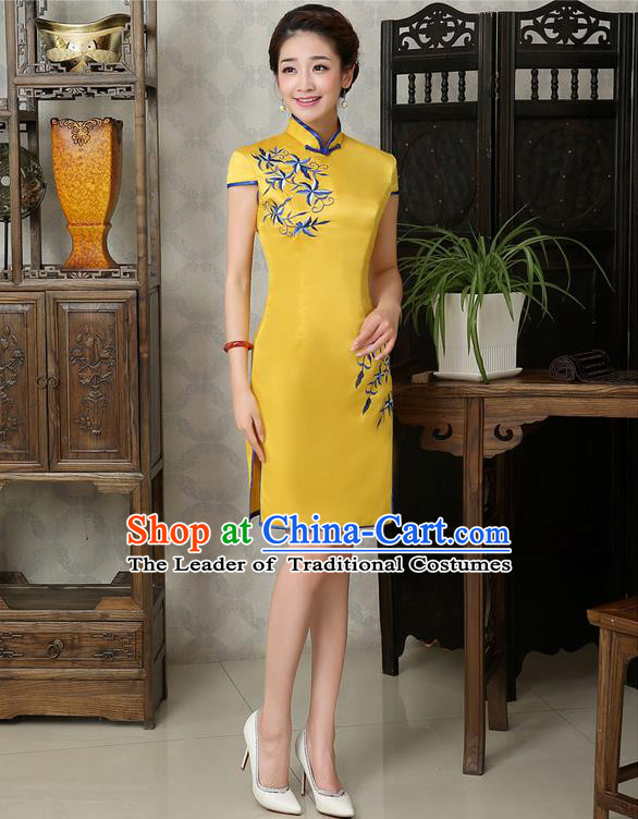 Ancient Chinese Costumes, Manchu Clothing Qipao, Retro Mandarin Collar Embroidered Short Silk Cheongsam, Traditional Cheongsam Dress for Bride
