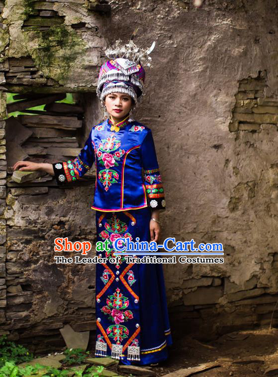 Traditional Chinese Tujia Nationality Dancing Costume Accessories Necklace, Tujia Female Folk Dance Ethnic Pleated Skirt and Sealand Karp Headdress, Chinese Minority Nationality Embroidery Costume and Hat for Women