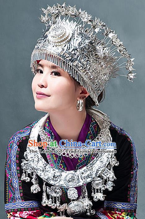 Traditional Chinese Miao Nationality Necklace, Hmong Folk Wedding Phoenix Silver Headwear, Chinese Minority Nationality Crown Jewelry Accessories Set for Women
