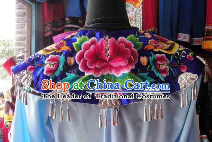 Traditional Chinese Miao Nationality Necklace, Hmong Folk Wedding Embroidery Cloud Shoulder Shawl, Phoenix Coronet And Robes Capelet, Chinese Minority Nationality Jewelry Accessories for Women