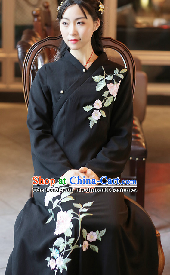 4db10bf0e2 Ancient Chinese Embroidered Hanfu Dress China Traditional Clothing Asian  Long Dresses China Clothes Fashion Oriental Outfits for Women